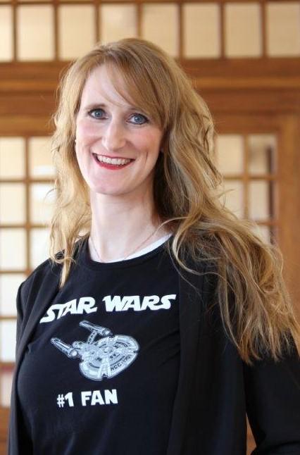 Dr. Nicole Flindt